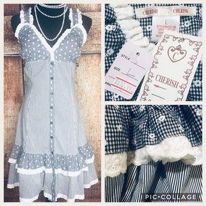 Gorgeous Gingham & Daisy Dress! NWT Summer/ Spring